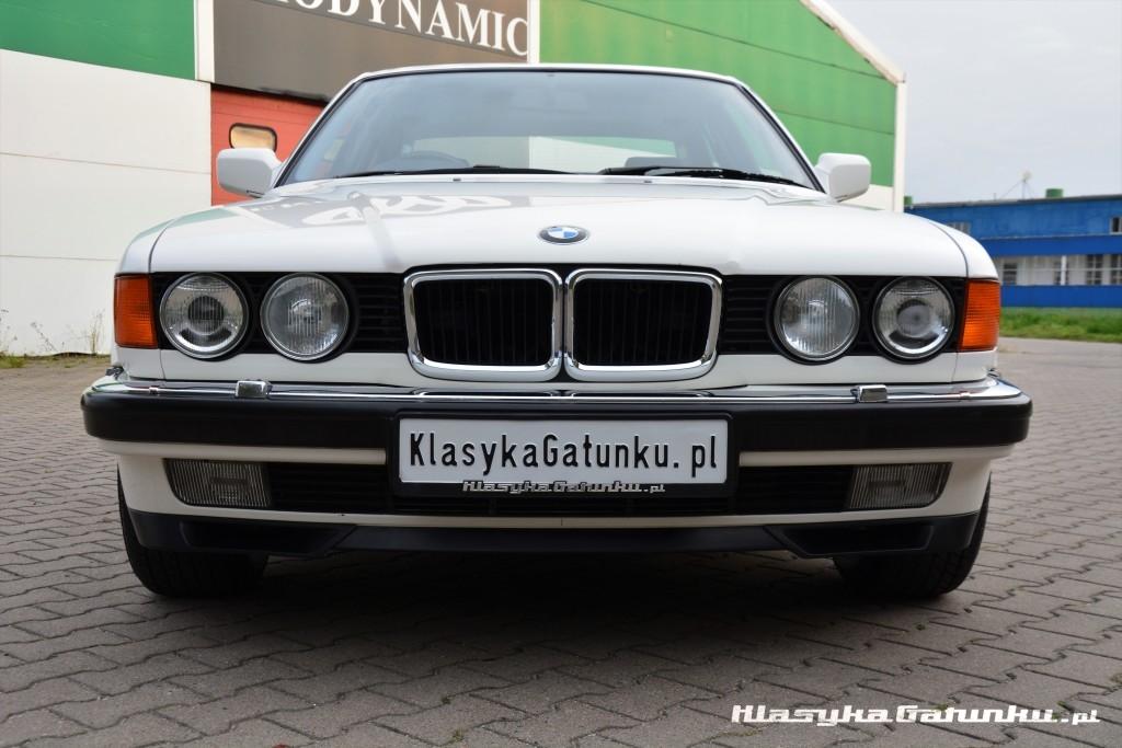 1992-BMW-740i-7-Series-126