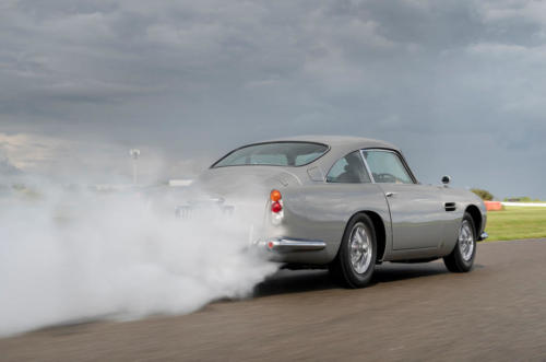 98-aston-martin-db5-goldfinger-continuation-1st-built-smoke